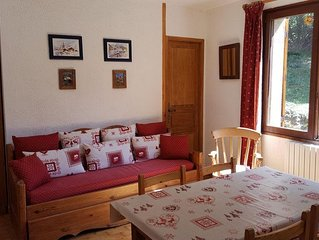 La Salle Les Alpes: Flat in a chalet with a big garden