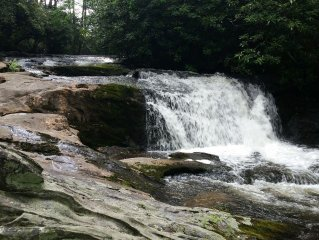 Mountain Home w/ Waterfall, only 50 yds from Back Door, 3 mi. to Highlands