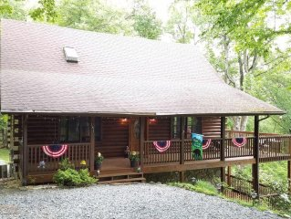 Grandfather View 3 BR, 3BA,sleeps 12, Cable, Wi-Fi, 1.5 miles from Hawksnest