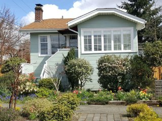 Charming 1920's bungalow in the heart of Wallingford/Fremont