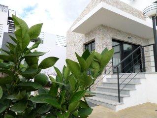 Casa Calida :rustige locatie met 5 slaapkamers en 3 badkamers, max 12 personen