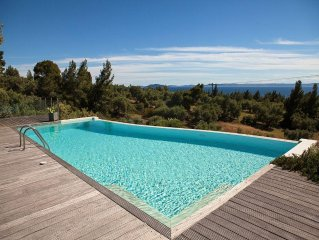Super luxurious maisonette with a private swimming pool and amazing view to the