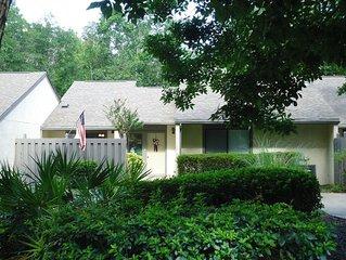Royal Oaks Villas Townhome in Blue Water Bay Marina Community Close to Destin Fl