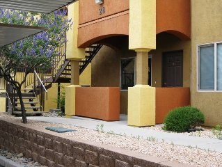 Great condominium close to park!2811