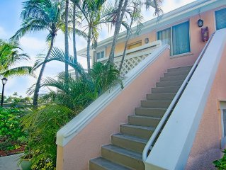 Spectacular 2 BR Lake View,Walk to Ocean or Heated  Pools