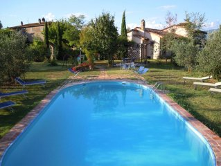 Villa in Camucia-monsigliolo with 2 bedrooms sleeps 5