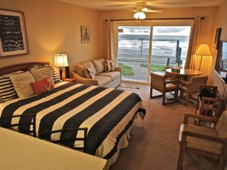 'Octopus in Boots' Adorable Ground Floor Condo with Instant Beach Access!
