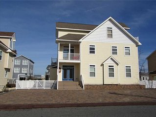 On the canal! Boat friendly! Large home! Beach Access! Private Community! 34966