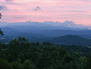 Experience the Ever-Changing Blue Ridge Mountains