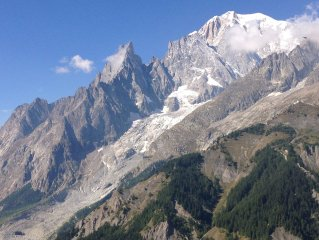 'La Chouta' Luminoso ed ampio appartamento a pochi passi dal centro Aosta!!