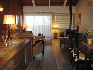 Million Dollar View!!! 3 Flat Screen TVs, Full Kitchen, Covered Spa
