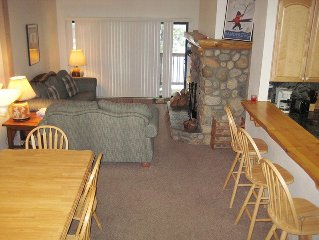 Beautiful, Light-Filled Rental Walking Distance to Lifts, Flatscreen, Wi-Fi, Ga