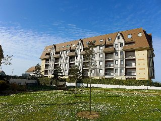 Apartment La Bizontine  in Cabourg, Normandy - 6 persons, 2 bedrooms