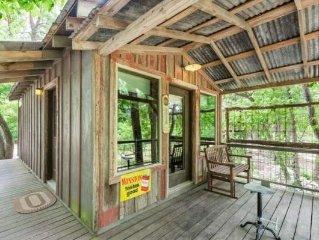 Luckenbach Lodge Cabin 2