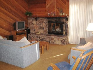 Nice Rental at a Great Complex!  Free Wi-Fi, Partial Mountain View, King Bed and