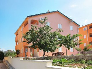 Apartment Haus Mario  in Dobrinj, Isle of Krk - 5 persons, 2 bedrooms