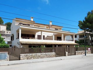 Apartment in Cala San Vicente, Majorca / Mallorca - 8 persons, 5 bedrooms