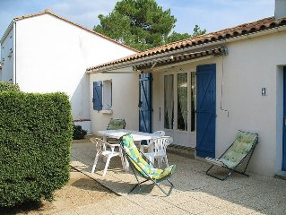 Vacation home in La Tranche - sur - Mer, Vendee - 6 persons, 3 bedrooms