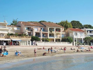 Apartment in Saint Cyr - sur - Mer, Cote d'Azur - 6 persons, 3 bedrooms