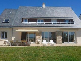 Villa beachfront 7 bedrooms: Bay of Mont Saint Michel. beach 6km