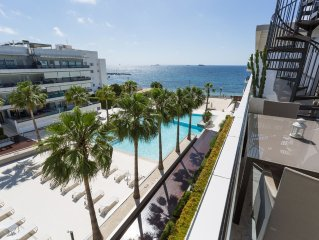 Luxury Beach Front Penthouse Apartment With Private Roof Terrace And Sea Views