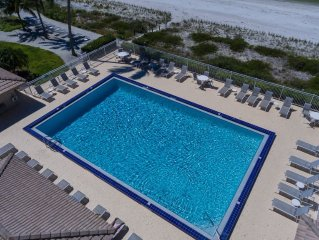2 Bedroom Direct Beachfront Condo On Gulf of Mexico