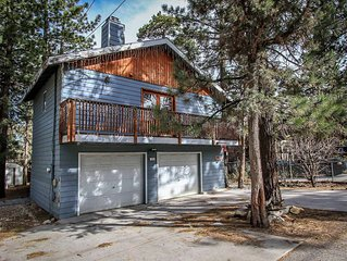 Warm Two Story Family Cabin~Equipped Kitchen~Cool Rock Wall Fireplace~Big Deck~