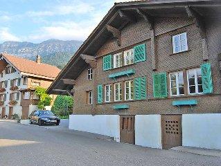 Ferienhaus Blumenstrasse  in Leissigen, Berner Oberland - 7 Personen, 4 Schlafzi