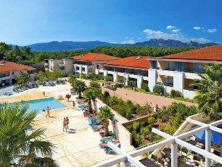 Apartment in Roquebrune - sur - Argens, Cote d'Azur - 6 persons, 2 bedrooms