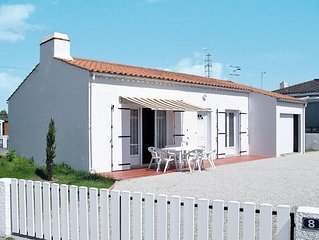 Vacation home in La Tranche - sur - Mer, Vendee - 5 persons, 2 bedrooms