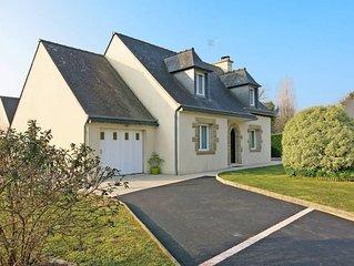 Vacation home in Sarzeau, Morbihan - 9 persons, 5 bedrooms