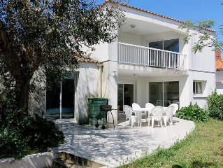 Vacation home in La Tranche - sur - Mer, Vendee - 8 persons, 4 bedrooms