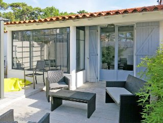 Vacation home in La Tranche - sur - Mer, Vendee - 5 persons, 3 bedrooms