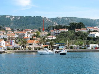 Apartment Haus Maria  in Rab, Kvarner Bay - 6 persons, 2 bedrooms