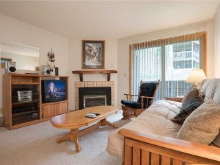 Cozy condo on the free bus route ~ Pool, hot tub, private deck!