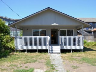CABIN AT THE BEACH ~ MCA# 1263 ~ Family home walkable to the beach and town!!