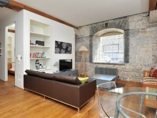 Drakes Wharf - 2 bed contemporary ground floor waterside apartment sleeps 4-6