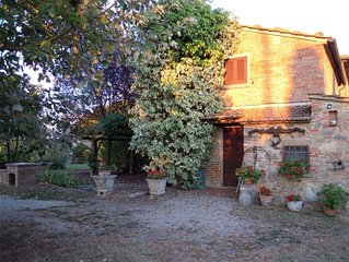 Villa in Camucia-monsigliolo with 3 bedrooms sleeps 9
