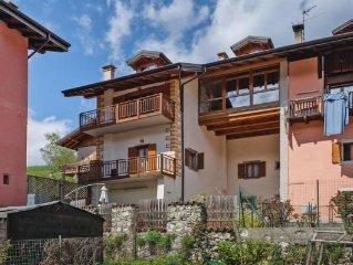 Apartment Casa Ravizza Moderno, Tiarno di Sopra  in Ledrosee - 4 persons, 2 bed