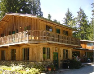Beautiful,  rustic lodge located in Bow WA