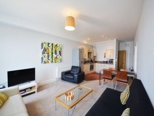 12 Astor House - one bed garden apartment with patio and stunning uninterrupted