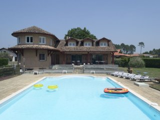 Large, Modern Villa In Lit-et-mixe, With Private 16m Pool And 1.5 Acres Of Matur