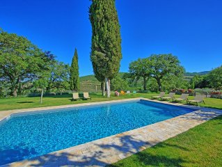 Villa in Vertine with 5 bedrooms sleeps 10