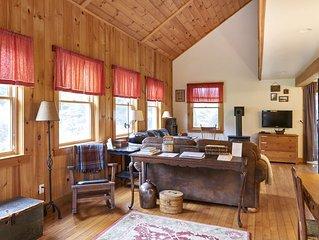 Cozy 3BR Thornton cottage  w/ mountain views family + pet friendly