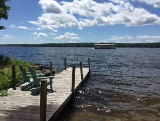Gorgeous View On Long Lake, Watch River Queen go by, Cozy, Quiet & Peaceful!