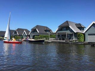 Luxe vakantiehuis aan het Sneekermeer in Sneek, Friesland