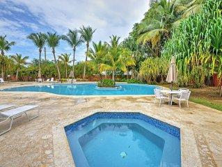 Precious 3BR Vega Baja Oceanfront Condo w/Wifi, Pool Access, Huge Private Terrac