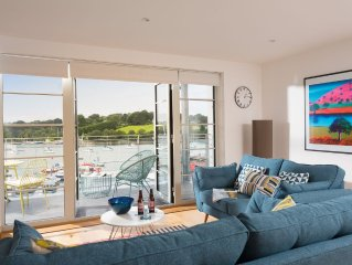 A brand new luxury 5 Star apartment with spectacular views over Falmouth Marina