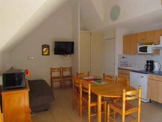 duplex apartment sleeps 8 Gardette well equipped REALLON