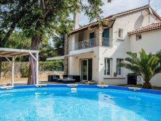Villa classee 3 etoiles *** / piscine / plage a 1km / jardin / jeux enfants